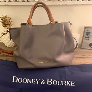 Dooney & Bourke Large Tote